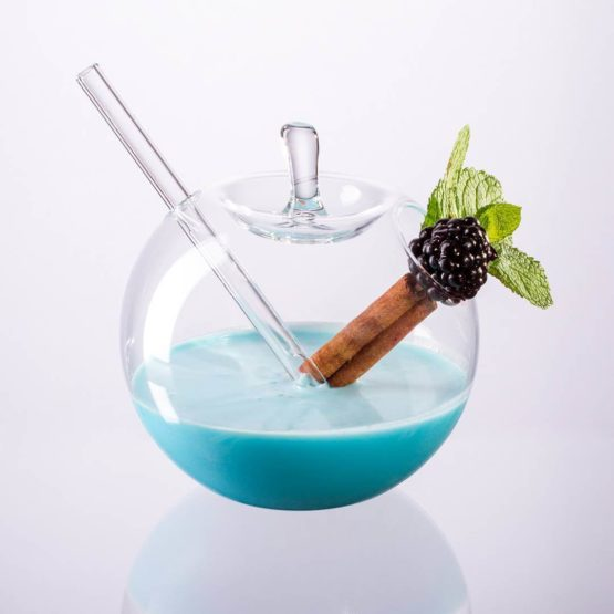 Hruskaglass-hand-made-cocktail-glass-fancy-amazing-awesome-beautiful-designer-elegant-fruit-intersting-pretty-special-unique-1